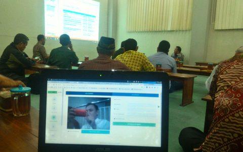 scanning-qrcode-webcam